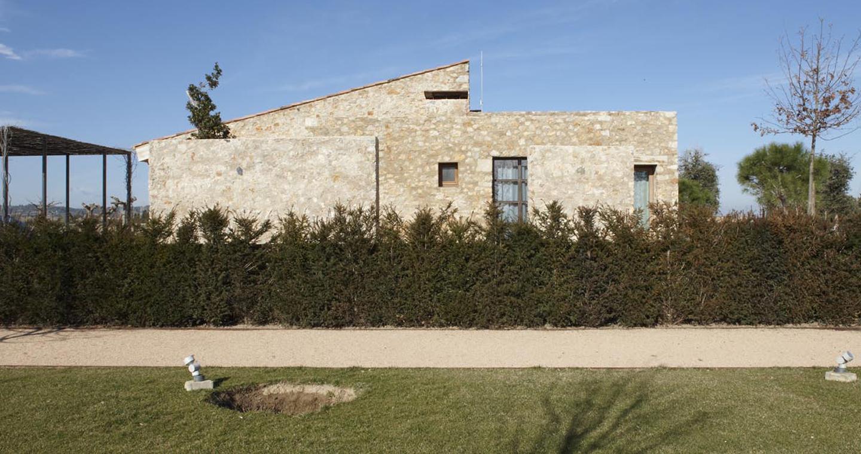 roa arquitectura y sostenibilidad vivienda unifamiliar girona 02